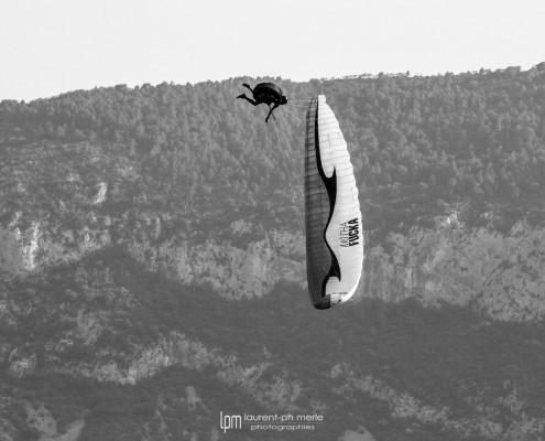 ©Laurent Merle photography aerobatic paragliding